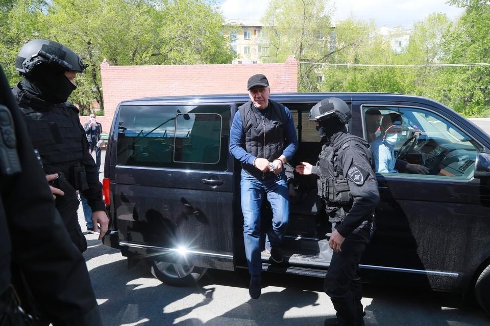В чем обвиняют Анатолия Быкова: список уголовных дел бизнесмена