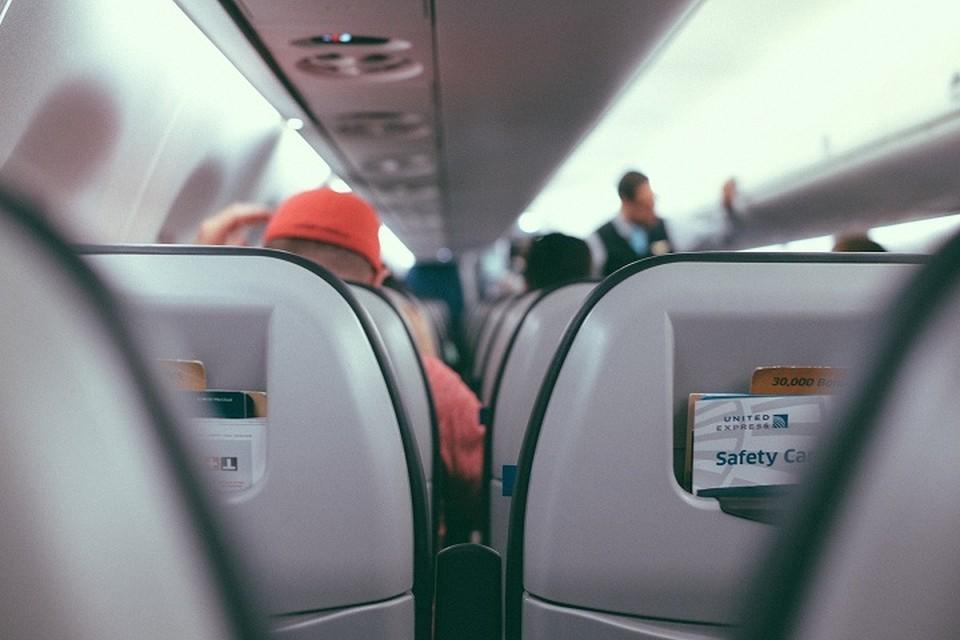 Пассажиры с положительным результатом на COVID-19 госпитализируются в инфекционный стационар.