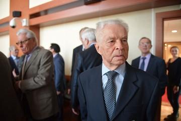 Первый секретарь ЦК ВЛКСМ (1968 - 1977 гг.) Евгений Тяжельников: Читаю «Комсомольскую правду» и заряжаюсь