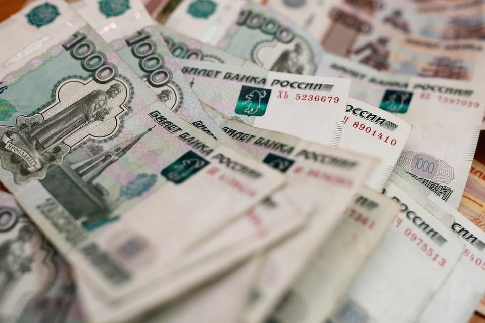 Должников по налогам в Хабаровске продолжают вычислять на дорогах