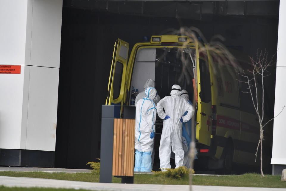 За сутки в Москве скончались 52 пациента с коронавирусом.