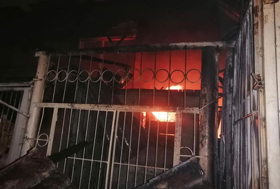 Пожар на крупнейшем рынке Бишкека начался глубокой ночью.
