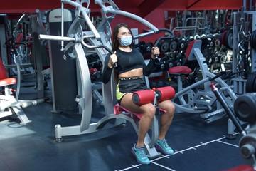 В зале запах спирта, тренеры в масках, клиенты с жирком: откровения фитнес-тренера ковидной эпохи
