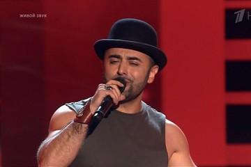 Прием в шоу «Голос-9» закрыт: на подножку заскочил энергичный кубинец и техничный армянин, а латыш-рокер сделал предложение невесте