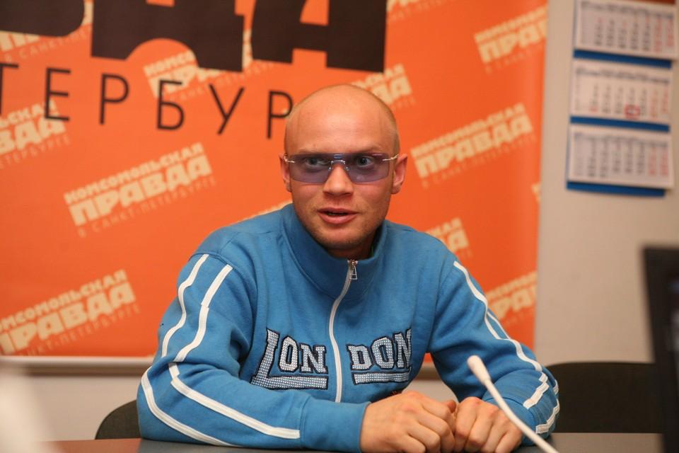 Телеведущий Дмитрий Хрусталев попал в больницу в Сестрорецке.