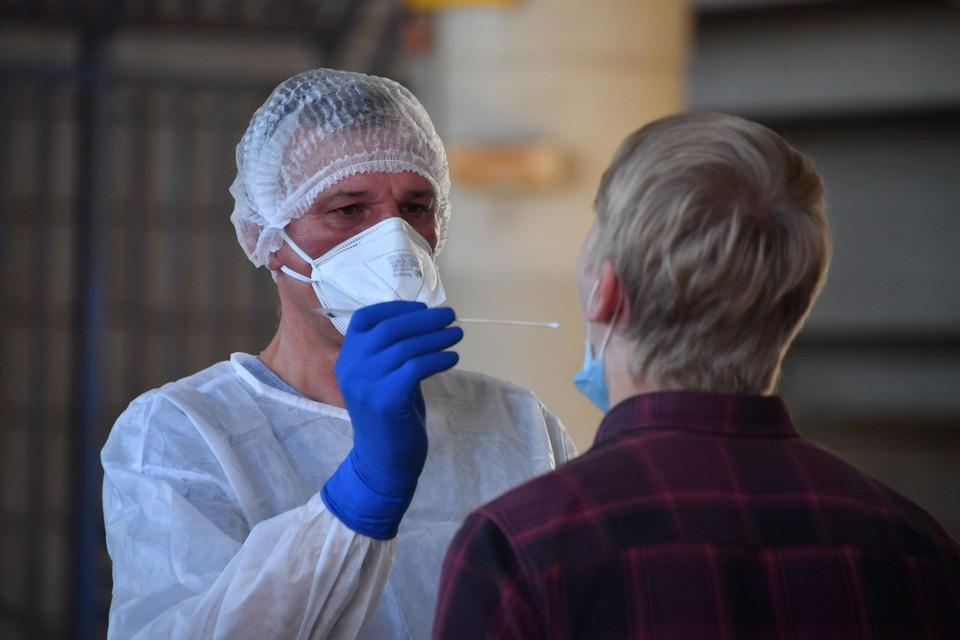 Прирост заболевших в Омской области остается высоким.