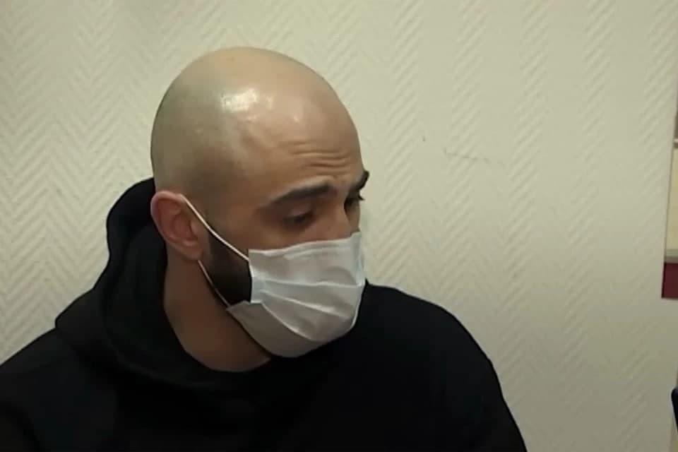 Адам Яндиев задержан. Фото: Оперативная съемка