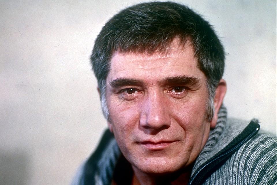Прощание с Арменом Джигарханяном 17 ноября 2020: прямая онлайн-трансляция