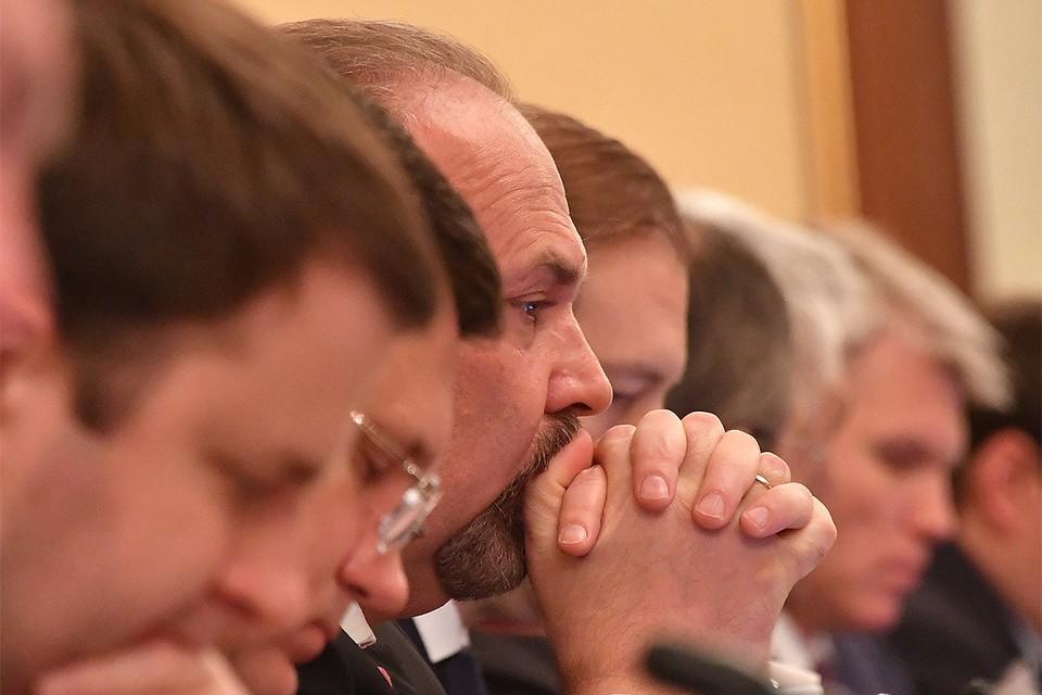 Михаил Мень на заседании правительства России, 2017 год.