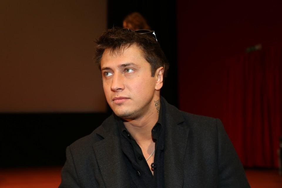 Павел Прилучный утверждает, что просто упал в Калининграде.