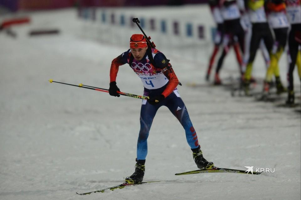 На лицевой стороне лыж спортсмена оставил свой автограф.