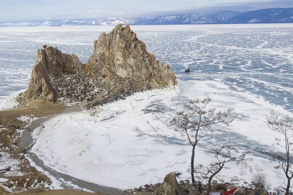 Байкал в топ-10 самых популярных направлений для новогодних путешествий с детьми