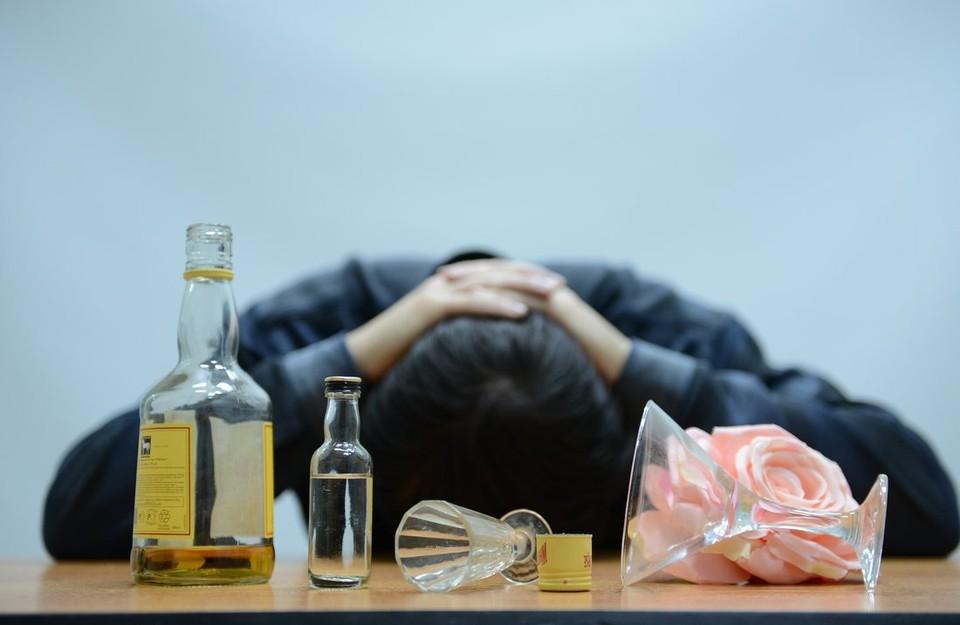 «Надо меньше пить»: житель Тульской области убил собутыльника