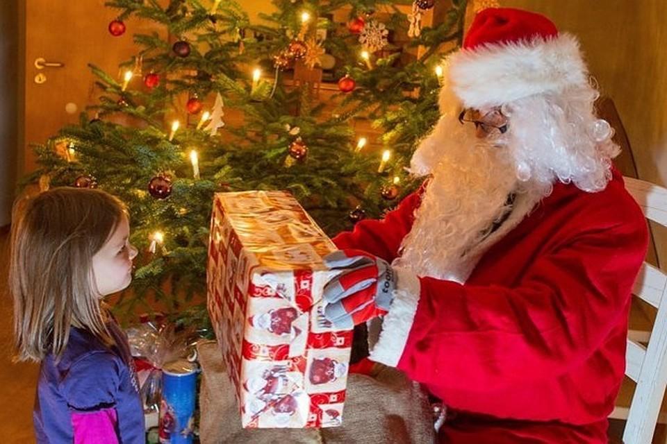 Аналитики узнали, сколько россияне готовы потратить на подарки
