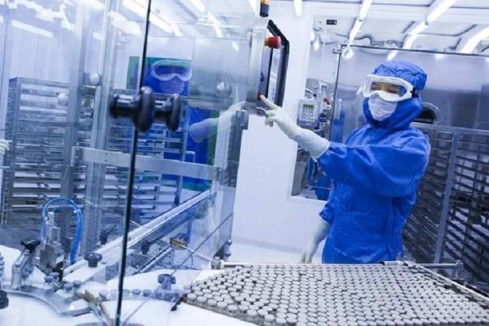 Запуск по плану ожидается в марте, когда завершится третья клиническая фаза испытаний вакцины от коронавируса.