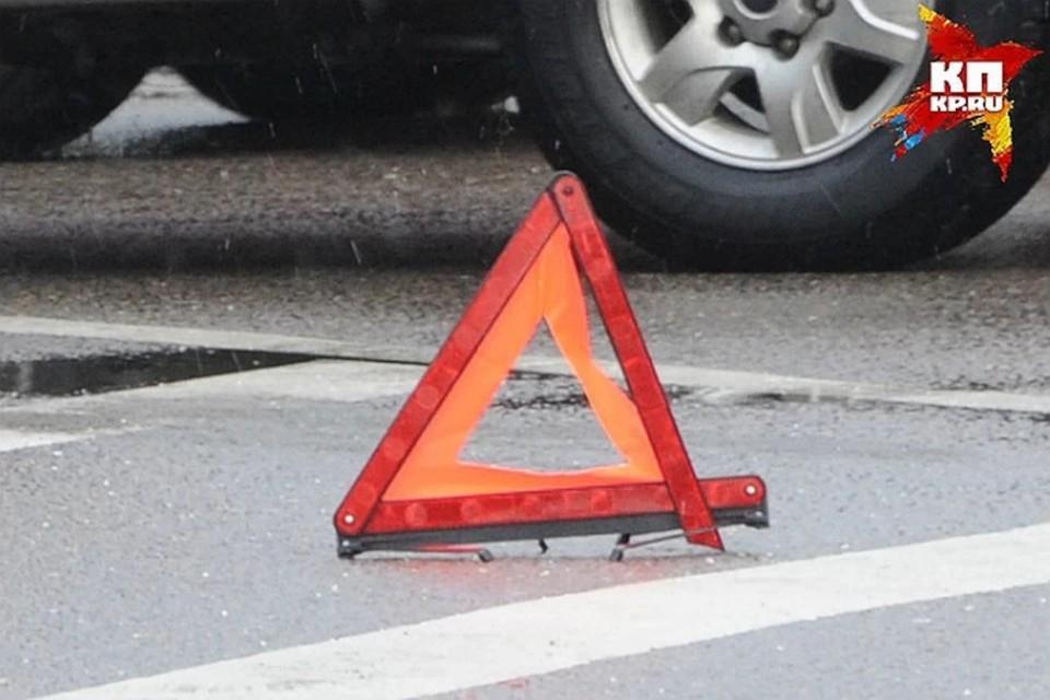 В Тверской области в аварии девушка получила травмы ног.