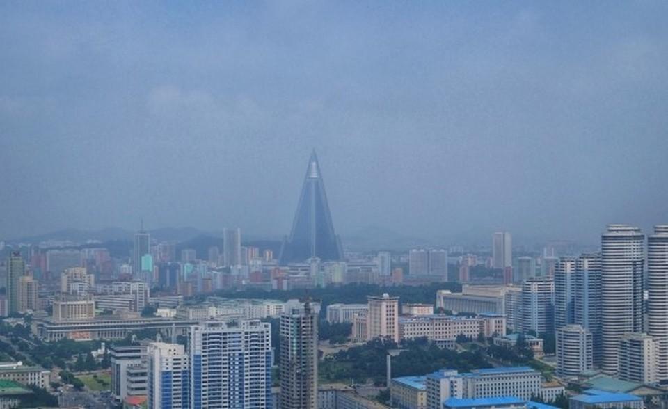Daily Mail: КНДР публично казнила гражданина, нарушившего ограничения по COVID