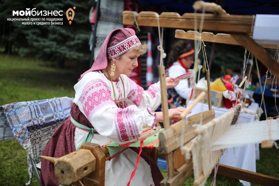 В этом году ремесленникам выделили 12 миллионов рублей субсидий. Фото: Валерий Звонарев.