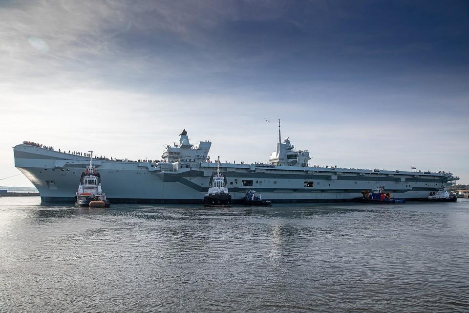 Британский авианосец за $4,1 млрд сломался из-за воды Фото: Kenny Smith / Defence Imagery gov.uk