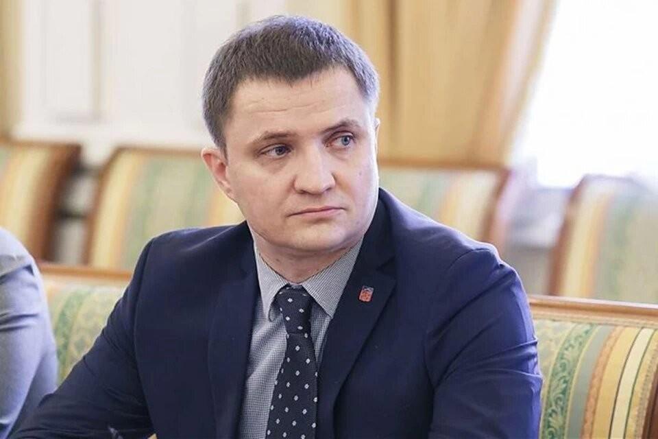 Дмитрий Вячеславович опроверг слухи, что региональные выплаты перестанут действовать с ноября. Фото: Правительство Мурманской области.