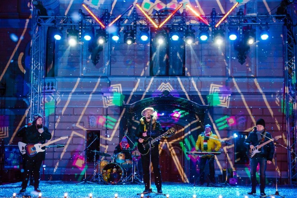 Во дворах Капеллы выступят любимые всеми артисты и певцы. Фото: предоставлено телеканалом/Наталья Рожновская.