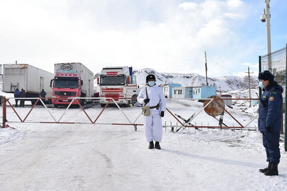 Пропуск авто и грузов будет временно приостановлен.