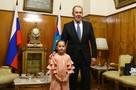 Сергей Лавров исполнил новогоднюю мечту первоклассницы из Саратовской области