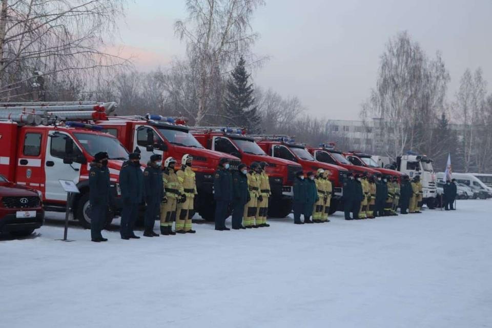 В Кузбассе на вооружение сотрудников МЧС поступила новая техника. Фото: Пресс-служба АПК