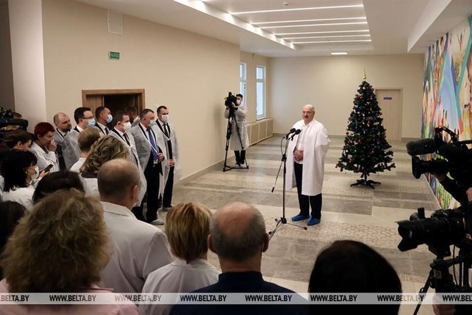 Лукашенко заявил, что с экономикой удастся справиться и протесты не помешают. Фото: БелТА