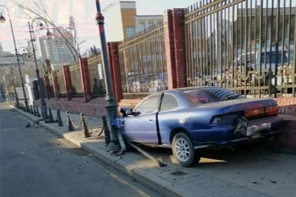 Авария произошла на пешеходном тротуаре Пограничной улицы. Фото: dps.control / instagram