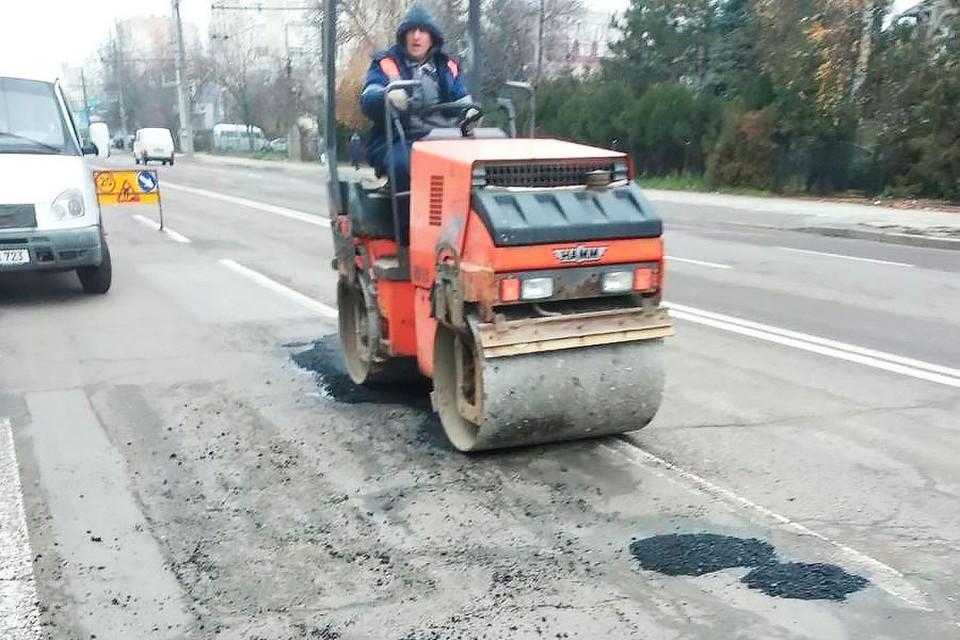 Ион Чебан потребовал провести ямочный ремонт дорог. Фото:ionceban.md