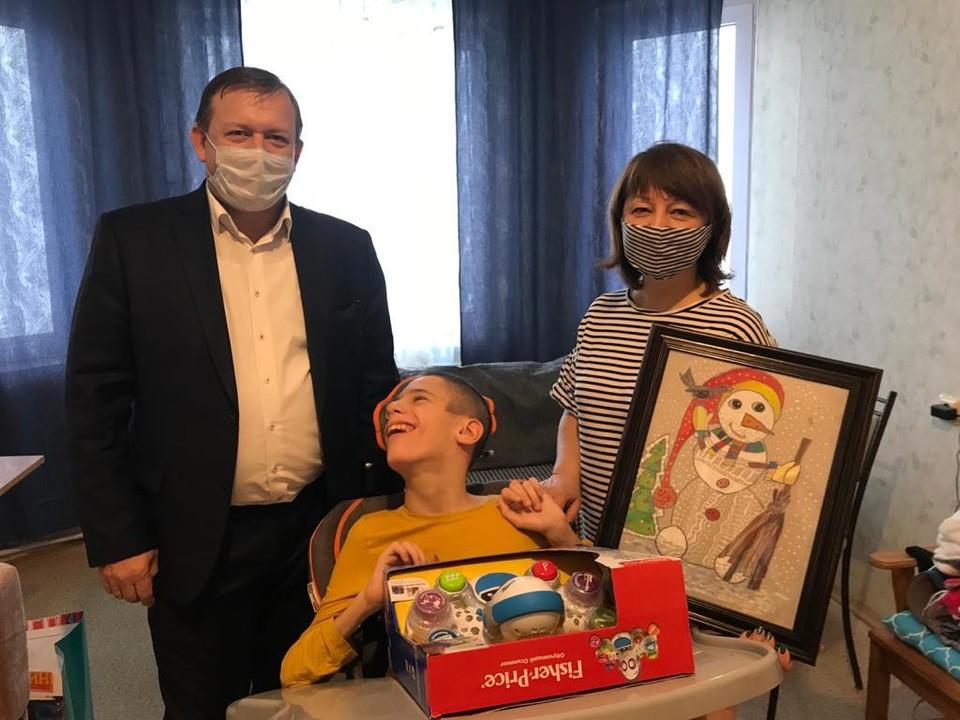 Желание мальчика исполнит министр экономического развития и инвестиций региона Игорь Норенков
