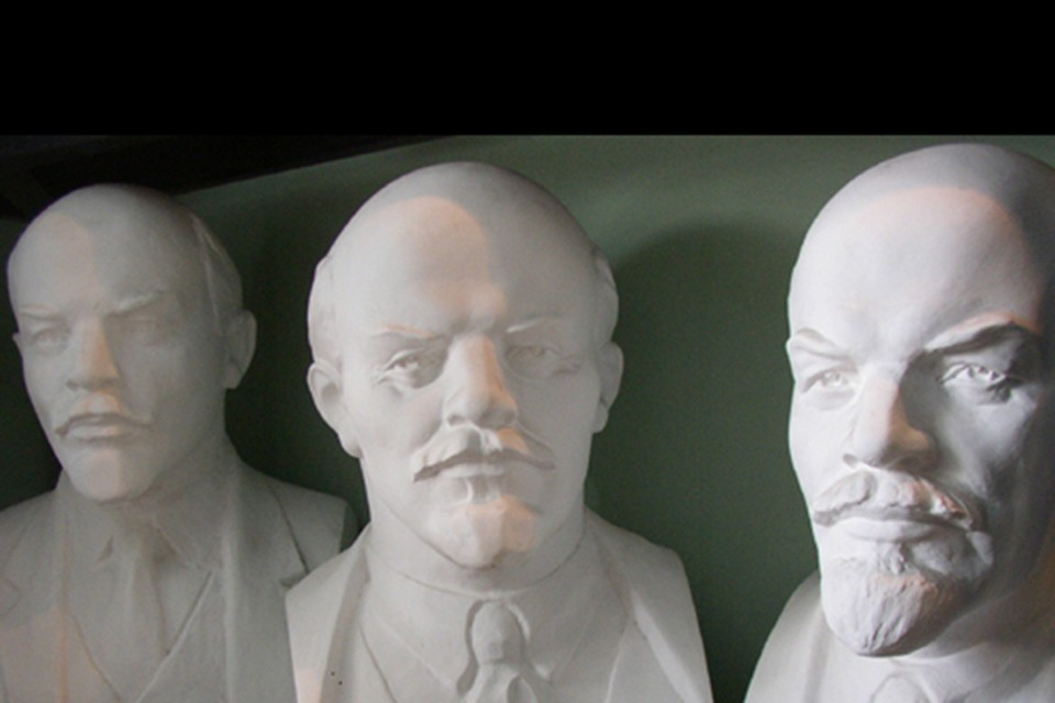 После ковида у многих выпадут волосы. Но лысыми, как Ленин, вы не станете, утешают трихологи.