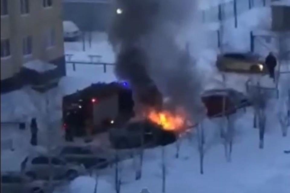 """Пожарных вызвали около 9 утра. Фото: скриншот с видео в паблике """"Инцидент Барнаул"""""""