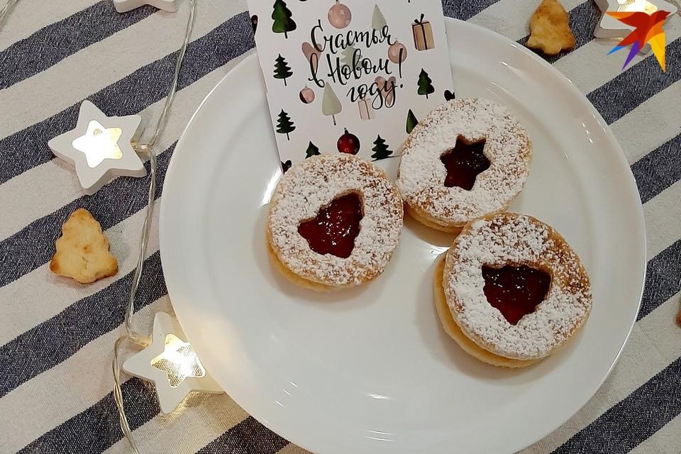 В Рождественский сочельник готовят и подают на стол праздничные блюда.