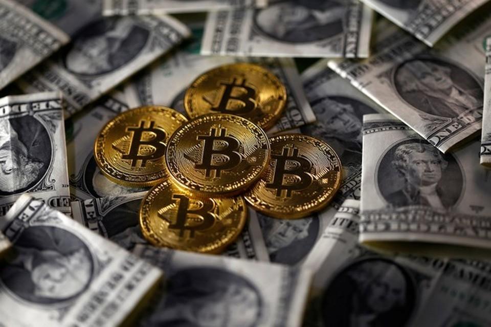 Курс биткоина продолжает расти