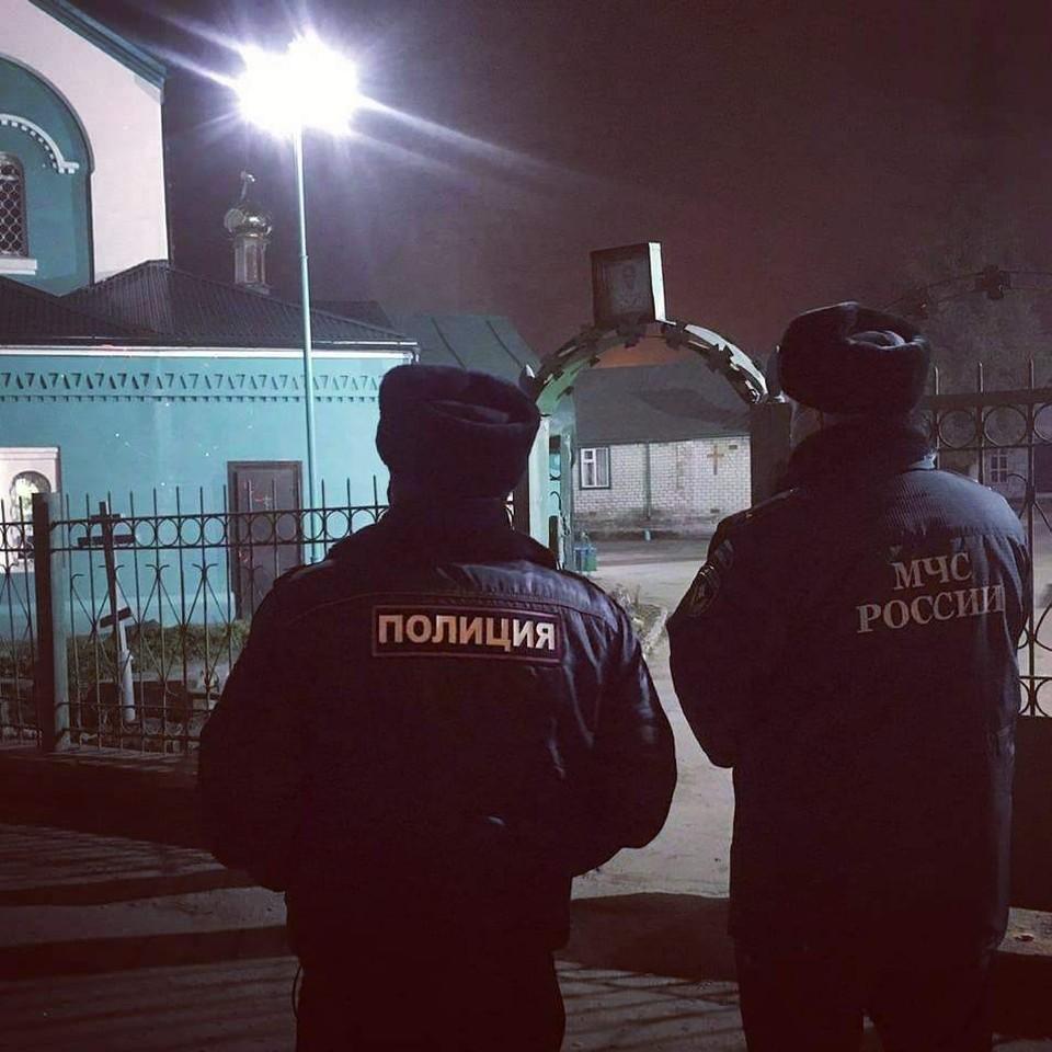 Благодаря особому вниманию правоохранителей и спасателей во время рождественских богослужений происшествий не было допущено. Фото: пресс-служба ГУ МЧС по брянской области.