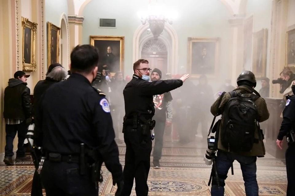 ФБР попросило граждан «сдать» участников беспорядков в Вашингтоне