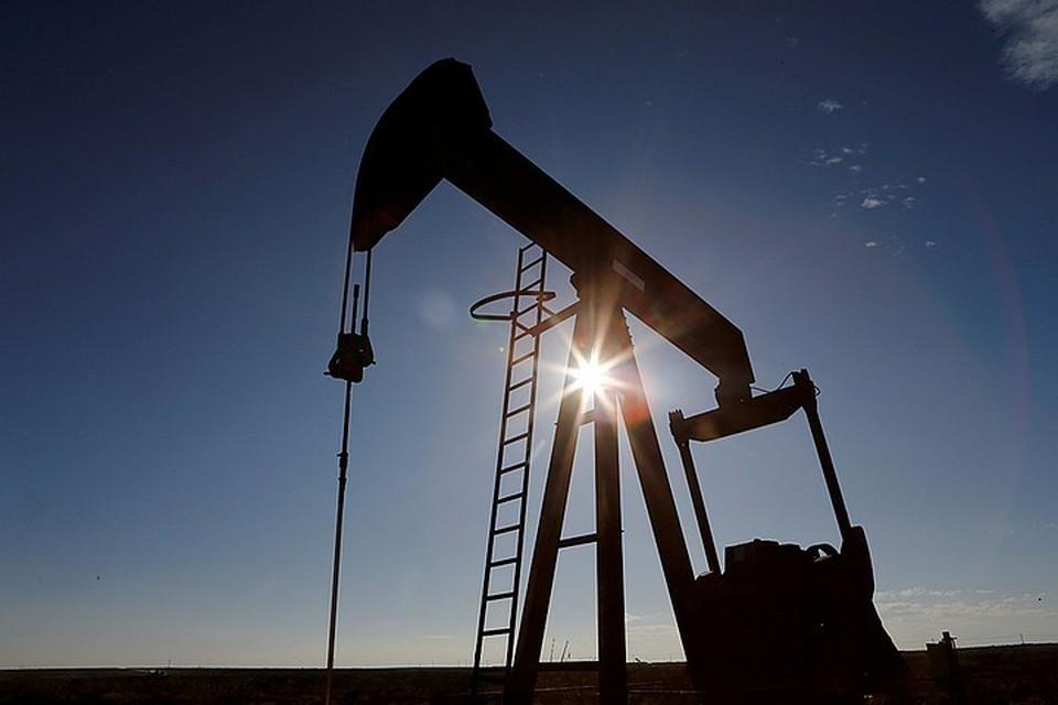 Цена нефти Brent превысила 55 долларов впервые с февраля