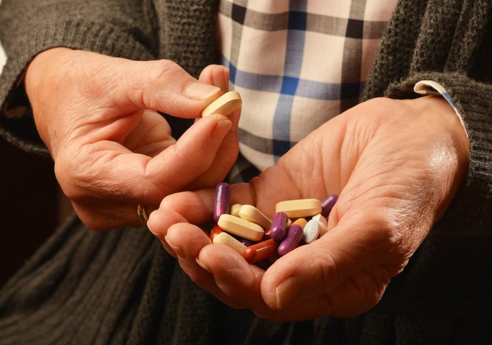 Врач назвал два лекарства, которые нельзя применять при коронавирусе