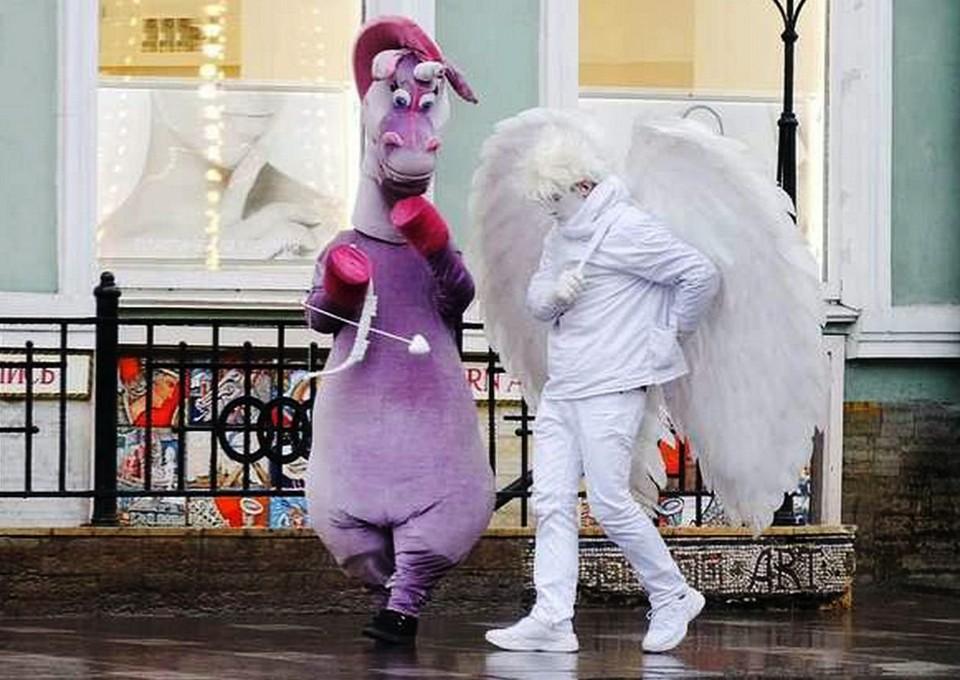 Полицейские составили протокол на ангела-вымогателя с Большой Покровской.