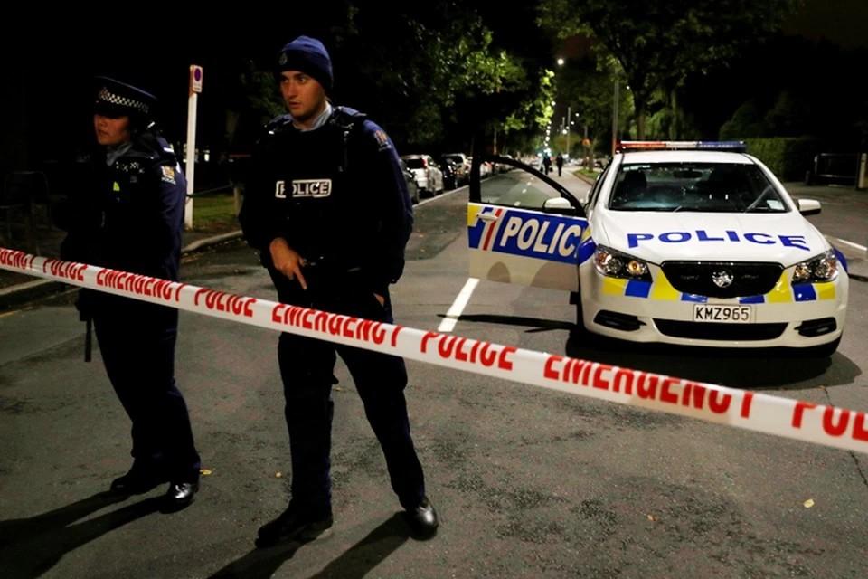 В Новой Зеландии задержали мужчину, разбившего топором двери парламента