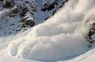 """""""Под снегом ищут людей"""": в Домбае на горнолыжную трассу сошла лавина"""
