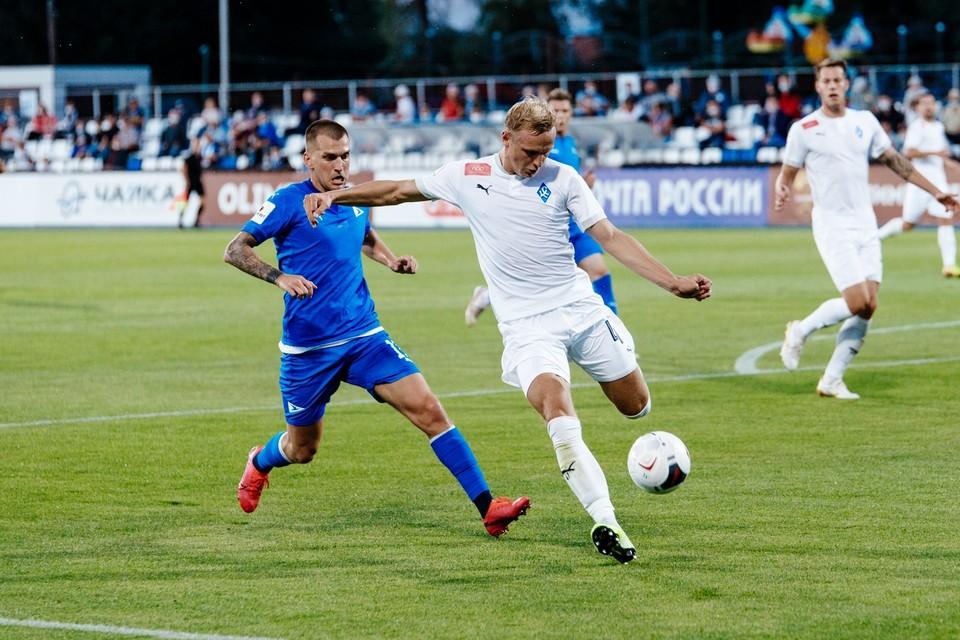 В этом сезоне «Крылья» и «Чайка» уже сыграли оба матча в ФНЛ. Фото: ФК «Чайка» (Песчанокопское).