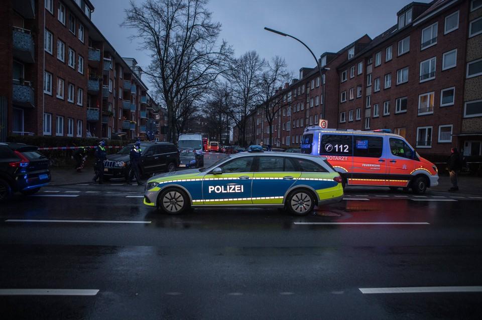 Полиция задержала в Берлине мужчину, кидавшего снежки в консульство США.