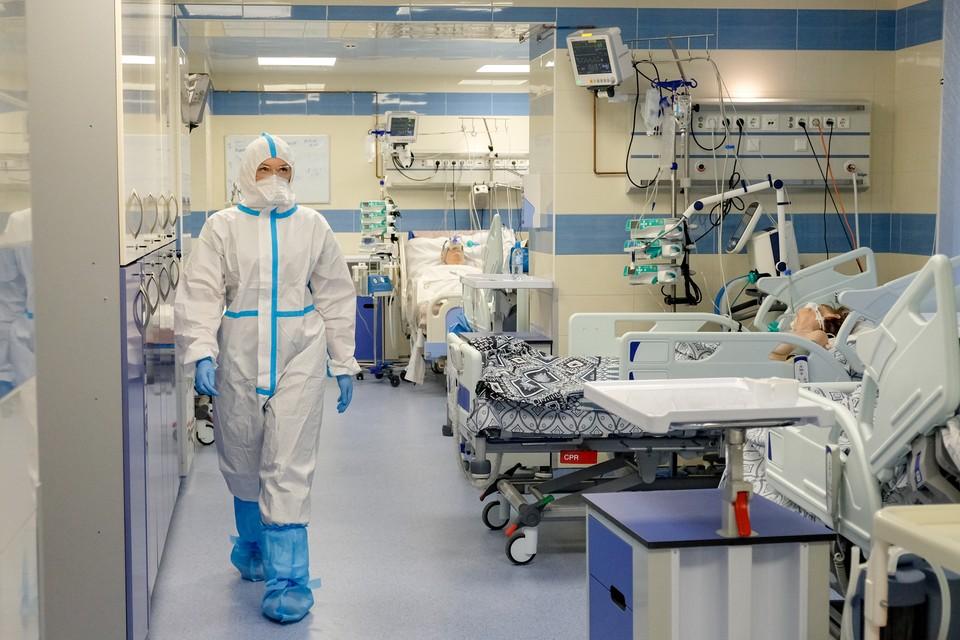 Отстаем от Москвы на две-три недели: Условия, при которых эпидемия коронавируса в Санкт-Петербурге пойдет на спад весной