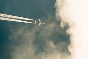 Капитана пассажирского самолета ослепили лазером при посадке в аэропорту Санкт-Петербурга