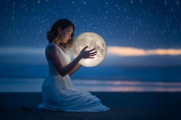 Лунный календарь на февраль 2021: фазы Луны, благоприятные дни