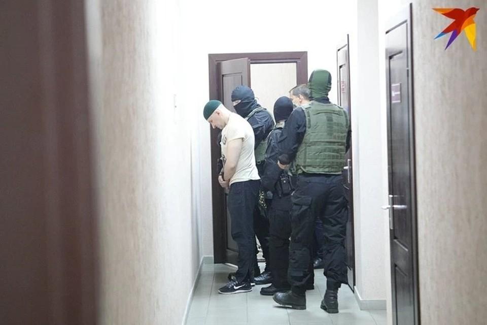 Пожизненное заключение и 23 года колонии: в Минске во второй раз за одно и то же убийство судили двух мужчин