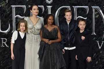 """""""Я сосредоточилась на исцелении моей семьи"""": дети боятся за жизнь Анджелины Джоли"""